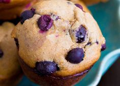 Muffins livianos de Banana y Arandanos