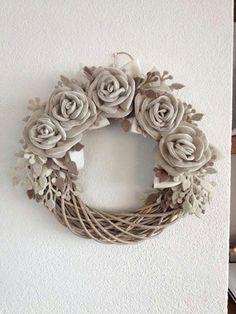 ghirlanda con rose 2 di Laura Tosi. https://www.facebook.com/fattoconamorelaura/