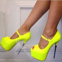 How to Wear High Heels Without Pain: 8 Expert Tips That Work – Page 4 – Style O Check Hot Heels, Sexy High Heels, Peep Toe Heels, Stiletto Heels, Platform High Heels, High Heel Boots, Heeled Boots, Gladiator Boots, Fashion Mode