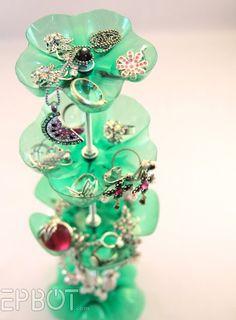 recycled jewl display idea using plastic bottle.