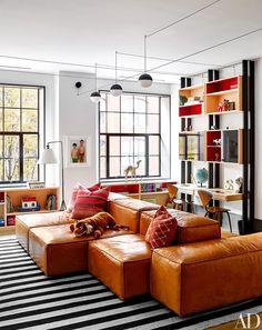 Naomi Watts y Liev Schreiber colaboraron con la firma de diseño Ashe + Leandro para transformar el loft de un artista de Manhattan en un atractivo oasis familiar.
