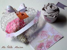 Cuore in rete da conigliera e cupcake di lino.  Ma Petite Maison