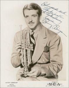 DJ Chrisbe's Song of the Week #195: Mahogany Hall Stomp by Bunny Berigan (1937) http://swingdjresources.com/bunny-berigan-mahogany-hall-stomp/ #djcsotw #swingmusic #balboa #lindyhop