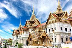 ShoreTrips offers shore excursions to beautiful Klong Toey Bangkok. Book a once in a lifetime excursion today and explore the wonders of Bangkok. Grand Palace Bangkok, Bangkok Hotel, Oh The Places You'll Go, Places To Travel, Places To Visit, Visit Thailand, Bangkok Thailand, Thailand Honeymoon, Thailand Photos
