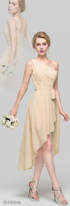 Enjoy dancing the night away in this champagne bridesmaid dress made of chiffon. With a trendy one-shoulder neckline, this high-low gown has a bow-tie and a breezy skirt falls in an easy a-line, flowing over the hips from the natural waistline. Trendy Dresses, Cute Dresses, Beautiful Dresses, Short Dresses, Fashion Dresses, Women's Fashion, Fashion Ideas, Gorgeous Dress, Fasion