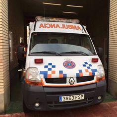 FOTOGRAFÍA CON TU #UNIDAD O #EQUIPO DESDE HUESCA  Nuestro compañero @Jacob Elihú Ruiz Avió, de la Agrupación de Voluntarios de #ProtecciónCivil de Huesca, en #Aragón , nos envió imágenes de varias de sus unidades.  Enviadnos vuestras imágenes, todas las que queráis: unidades, material, equipo, etc., preferiblemente por mensaje a nuestra página. Como segunda opción, también disponéis de nuestro e-mail: correoambulanciasyemergencias@gmail.com Intentad aportarnos datos de cada foto, para que…