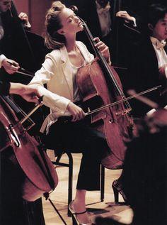 """Hot Town"" Vogue, May 2005 photographer: Mario Testino Gemma Ward Cello, right? Sound Of Music, Music Love, My Music, Cello Music, Ballet Folklorico, Gemma Ward, Vogue Us, Mario Testino, Classical Music"