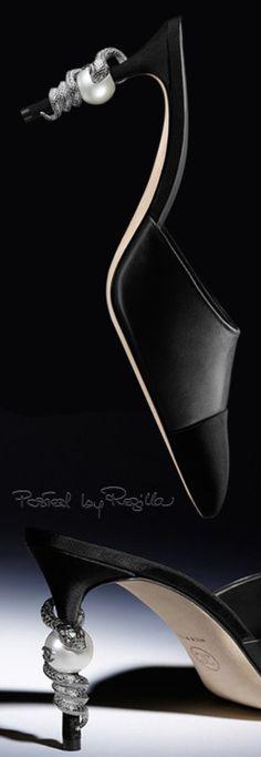 Diamonds & Pearls on your heels