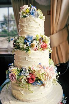 24 wedding cakes for the perfect country reception 1