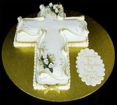 Confirmation Cakes for Girls Christian Cakes, Cake Paris, Bible Cake, Cross Cakes, Religious Cakes, Confirmation Cakes, First Communion Cakes, Occasion Cakes, Cake Servings
