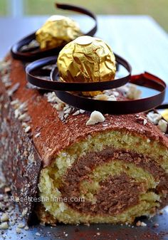 Cooking With Coconut Oil Thermomix Desserts, Dessert Recipes, Yule Log Cake, Cooking With Coconut Oil, French Desserts, Mocca, Christmas Desserts, Let Them Eat Cake, Sweet Recipes
