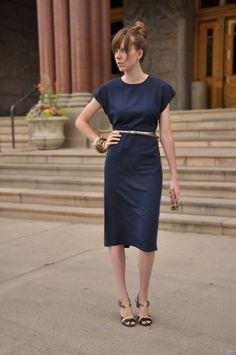 I need to figure out how to recreate this dress. Time to buy some muslin. CLASSIC SHEATH DRESS ~ Thread Ethic | Modest Fashion Blog