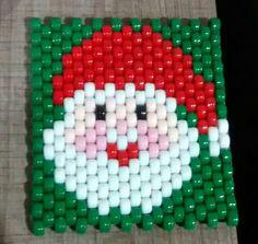 Portavasos Papa Noel Peyote Beading Patterns, Pony Bead Patterns, Loom Beading, Pony Bead Projects, Pony Bead Crafts, Christmas Crafts To Make, Homemade Christmas, Christmas Christmas, Safety Pin Crafts