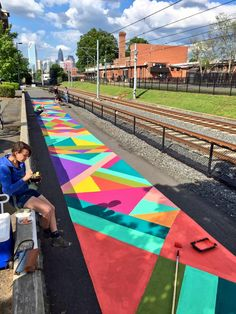 Jessie and Katey, a Baltimore-based artist duo, have painted 3 awesome murals on the Rail Trail thanks to ArtPlace America grant funding. Murals Street Art, Street Art Graffiti, Graffiti Artists, Urban Landscape, Landscape Design, New York Graffiti, Public Space Design, School Murals, Sidewalk Chalk Art