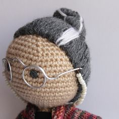 A hair tutorial for crochet dolls by Chocolate Mints in a Jar.