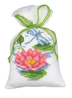 Cross Stitch Cards, Simple Cross Stitch, Cross Stitch Flowers, Counted Cross Stitch Patterns, Cross Stitching, Cross Stitch Embroidery, Sachet Bags, Pot Pourri, Cross Stitch Pictures