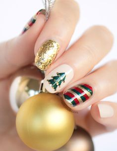 Gold Red Green Christmas #Nails!