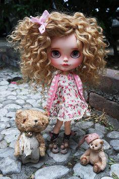 RESERVED OOAK Custom Blythe Doll CORINNA by Cihui by BlythebyCihui