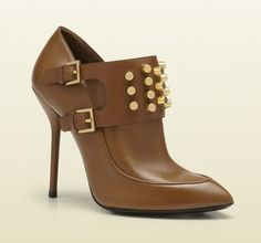 Gucci Cuir Leather Alexandra With Cylinder Studs Brown Boots. Get the must-have boots of this season! These Gucci Cuir Leather Alexandra With Cylinder Studs Brown Boots are a top 10 member favorite on Tradesy. Save on yours before they're sold out!