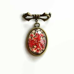 Victorian Brooch Red Resin Flower. 19th century inspired real pressed dried floral jewelry. Oval shawl veil pin Mother romantic gift by MyJewelsGarden Dried Flowers encased in Resin Jewelry by Myjewelsgarden