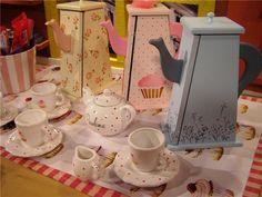 Pintura sobre madera y porcelana por Claudia Kunze… Country Paintings, Tea Box, Pretty Box, Ideas Para, Tea Time, Tea Party, Shabby Chic, Diy Projects, Diy Crafts