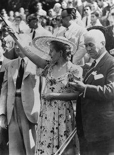 Eva Perón's Style Evolution