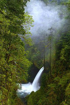 Metlako Falls - Oregon, great hiking....