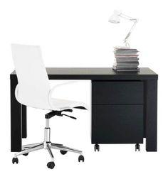 Skrivbord och stolar till hemmakontoret