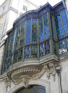 Art Nouveau Montpellier France via Just Sparkles Beautiful Architecture, Beautiful Buildings, Art And Architecture, Architecture Details, Beautiful Places, Leaded Glass, Stained Glass Art, Stained Glass Windows, Mosaic Glass