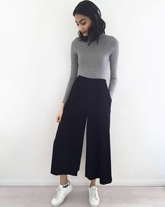 Culotte Style, How To Wear Culottes, Culottes Outfits, Casual Outfits, Fashion Outfits, Women's Casual, Casual Winter, Fashion Clothes, Work Outfits