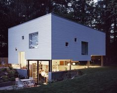 """Spectacular """"Haus W"""" for a young couple and their two children in Hamburg"""