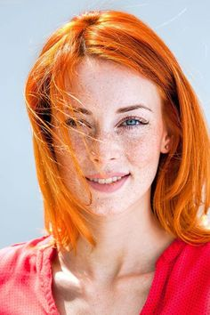 Famous Redheads To Inspire You To Try Auburn Hair Color 2018 - Styles Art Rich Hair Color, Hair Color 2018, Hair Color Auburn, Auburn Hair, Beautiful Freckles, Beautiful Red Hair, Gorgeous Redhead, Beautiful Eyes, Beautiful Clothes