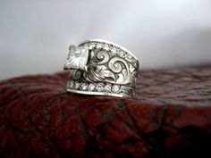 Custom Wedding Rings Engagement Rings Fit For a Cowgirl - Cowgirl Magazine - Whether you're in a serious relationship with your perfect cowboy or feel like that's where… Western Engagement Rings, Western Wedding Rings, Western Rings, Custom Wedding Rings, Western Jewelry, Gold Wedding Rings, Bridal Rings, Diamond Engagement Rings, Wedding Jewelry