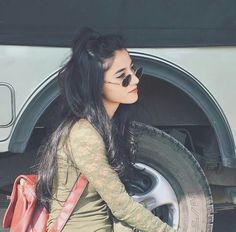 Follow Me Rishita Surve•̀.̫•́✧ Crazy Girls, Girls Life, Stylish Girls Photos, Girl Photos, Cute Girl Pic, Cute Girls, Beautiful Eyes Images, Cute Selfie Ideas, Gown Party Wear