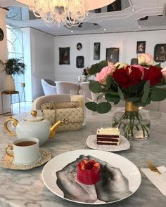 Classy Aesthetic, Aesthetic Food, Coffee Shop Aesthetic, Luxe Life, Coffee Photography, Cafe Food, Everything Pink, Table Settings, Ikea