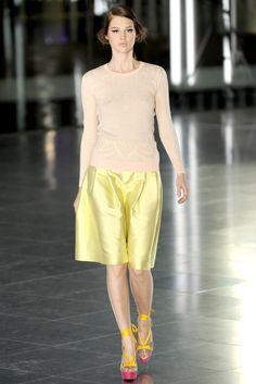 Jonathan Saunders Spring 2012 Ready-to-Wear Fashion Show - Anais Pouliot