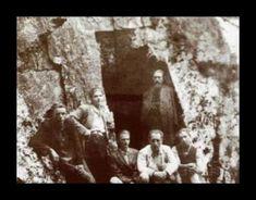 Fotografii rare cu Părintele Arsenie Boca - chipul îngeresc sub înfățișare de om Om, Painting, Painting Art, Paintings, Painted Canvas, Drawings