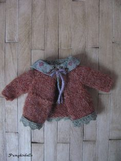 https://www.etsy.com/fr/listing/126131297/woodland-walk-cardigan-for-blythe