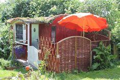 15. Mai 2018 - Gesamte Unterkunft für 45€. Vom Gezwitscher der Vögel geweckt werden oder vom Krähen des Nachbarhahns. Die Unterkunft inmitten unseres idyllischen Gartens ist in der Nähe von ...