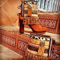 Bootbelts by Tesoritos de Moda. Love the fringe!