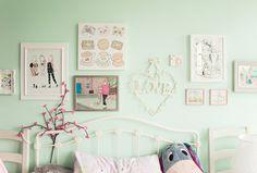 Kawaii bedroom wall and prints Colourful Kawaii Bedroom Decor and Organisation
