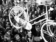 Recordamos la historia de Provo, un movimiento reivindicativo ciclista y nacido en Amsterdam del que ahora se cumplen 50 años.