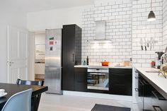 metro csempe fekete fuga konyha fekete-fehér-szürke