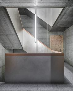 Twig Lamps Photo 9 of 44 in Brutal Beauty. Browse inspirational photos of modern homes. From midcentury modern to prefab housing and renovations, these stylish spaces suit every taste. Industrial Architecture, Architecture Details, Interior Architecture, 1960s Interior, Stair Detail, Concrete Stairs, Stair Handrail, Interior Stairs, House Stairs