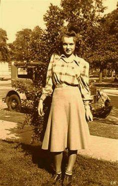 Norma Jeane (Baker) Mortenson (MM) Marilyn Monroe - dunway.com                                                                                                                                                      More