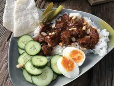 kip in bier gestoofd - Familie over de kook Cobb Salad, Great Recipes, Buffet, Chicken Recipes, Turkey, Yummy Food, Pasta, Beef, Meals