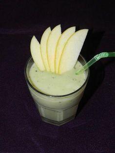 Smoothie de kiwi y manzana con leche y con miel. ¡Completísimo!