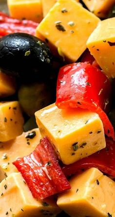 Marinated Cheese Peppers and Olives - Bunny's Warm Oven Olive Recipes Appetizers, Finger Food Appetizers, Yummy Appetizers, Appetizers For Party, Finger Foods, Appetizer Ideas, Marinated Cheese, Marinated Olives, Cheese Stuffed Peppers
