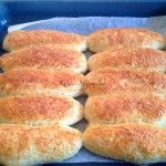 Sajtos stangli | mókuslekvár.hu Hamburger, Bread, Food, Brot, Essen, Baking, Burgers, Meals, Breads