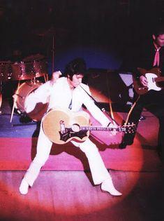 Yo fuí a EGB.Recuerdos de los años 60 y 70. Personajes históricos de la década de los 60 y 70. Elvis Presley. yofuiaegb Yo fuí a EGB. Recuerdos de los años 60 y 70.